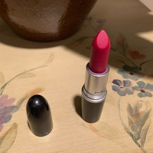MAC Matte Lipstick *RUBY WOO* NEW in Box Fresh
